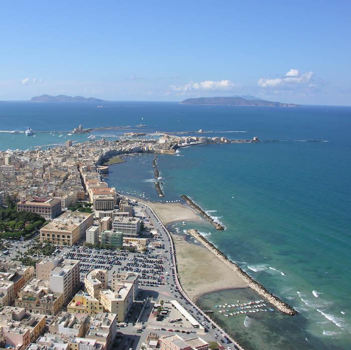 Luftblick auf Trapani 30 Plus Sprachreise Italienisch Sizilien