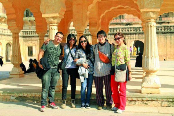 Ausflug von Praktikanten in Indien