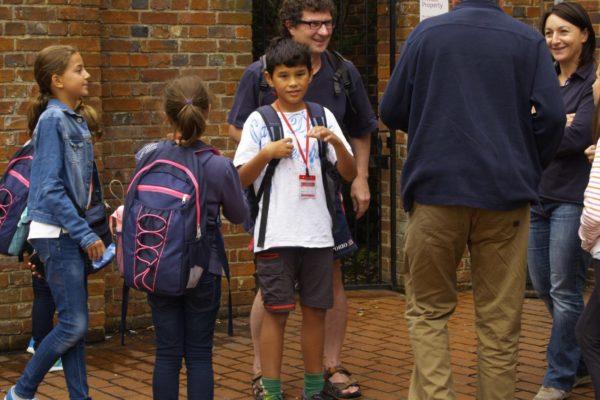 Edu-Seasons-Familiensprachreise-Canterbury-tägliche-Abholung-Kinder