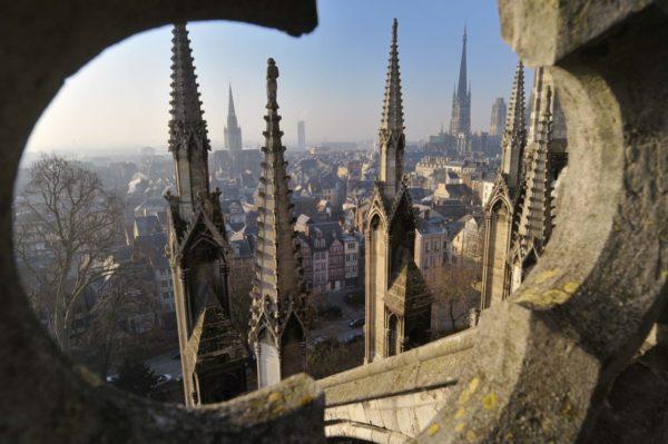 Wahrzeichen der Stadt Rouen Blick von der Kathedrale Sprachreise 50 Plus
