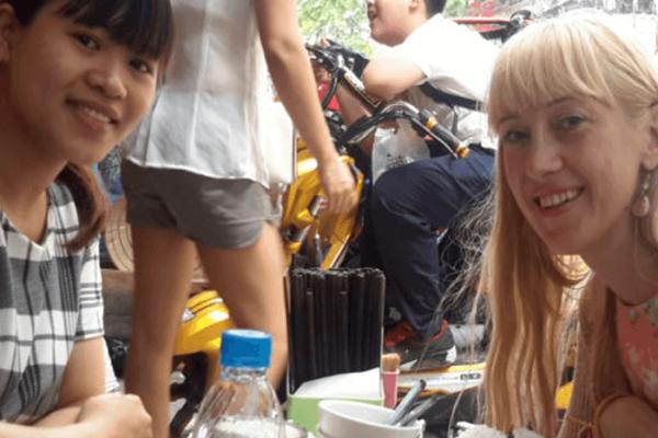 Essen mit Lehrerin Hanoi