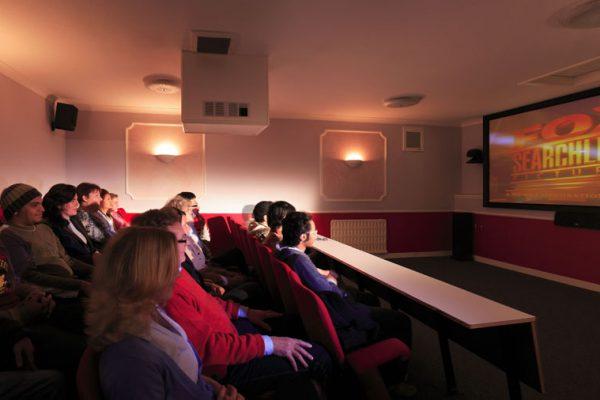 edu-seasons-sprachreise-scarborough-private-cinema