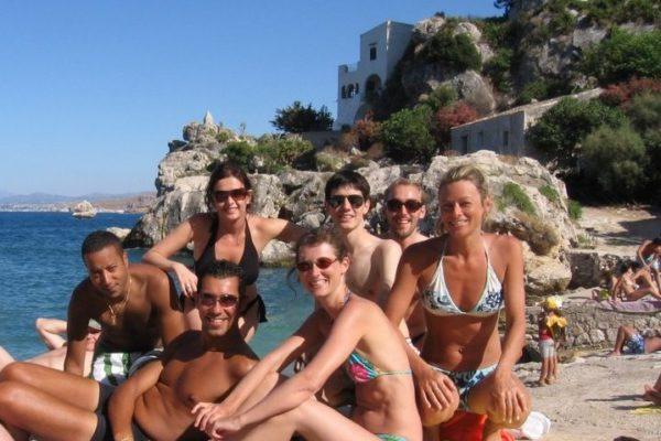 sprachschüler 30 plus strand sizilien