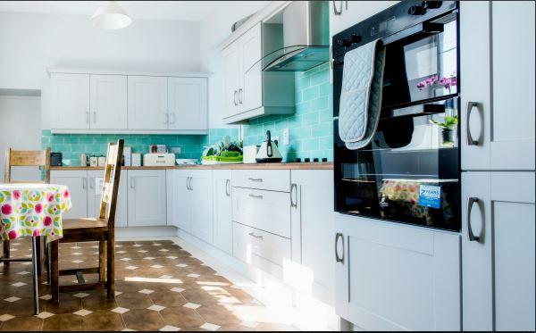 Küche in Unterkunft Familiensprachreise Donegal