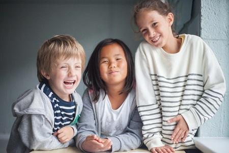 Kinder haben Spass auf Familiensprachreise Dublin