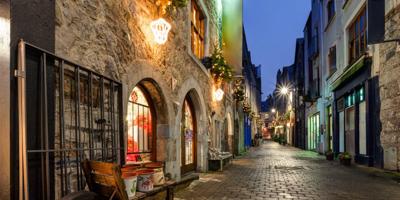 Galway hell beleuchtete Strassen