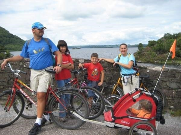 Familiensprachreise Irland Ausflug mit Fahrrädern