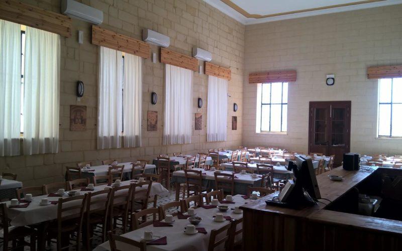 Pension Malta Restaurant Halbpension Sprachreise 30+