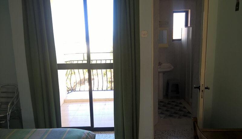 Zimmer mit Balkon Sprachreisen Malta 30+