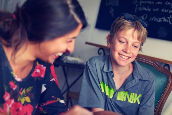 Spanisch Familiensprachreise Ronda Lehrerin und Kind